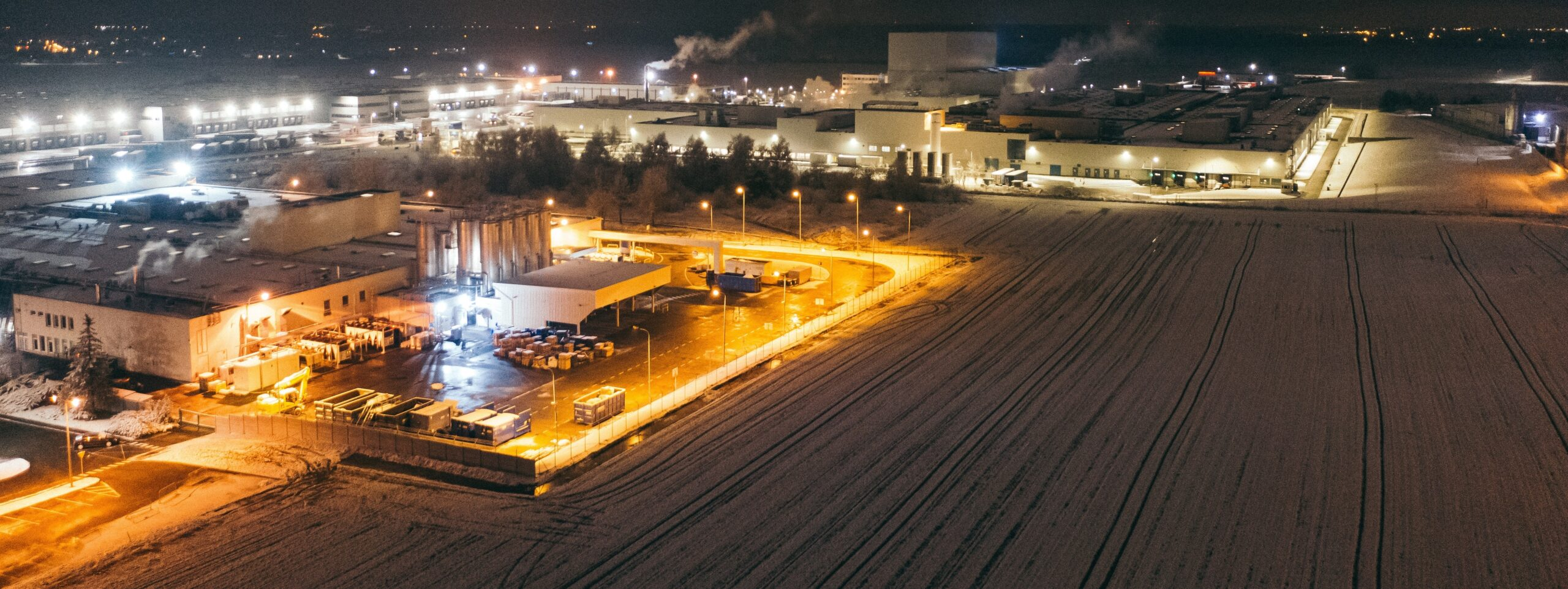 Logistics site free of ice at night during winter